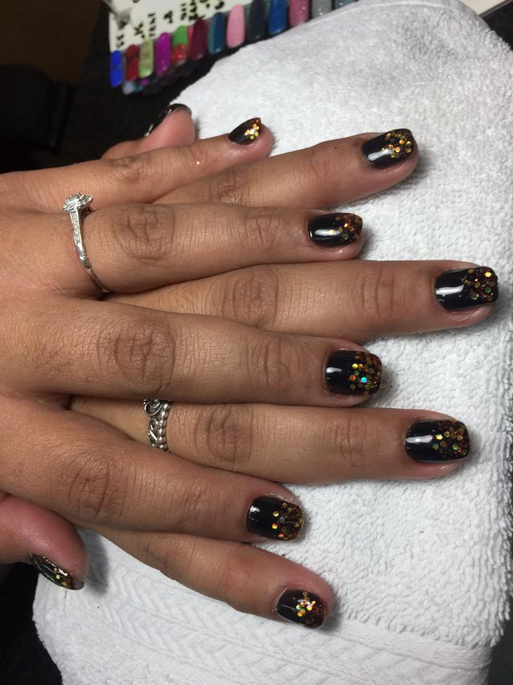 World Nails & Spa