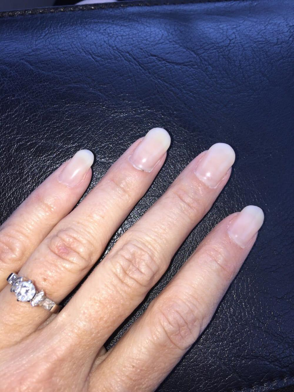 Le Chic Nails and Spa